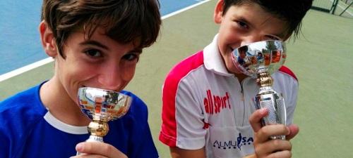 raul-montes-vuelve-a-proclamarse-campeon-benjamin-del-ii-torneo-del-circuito-de-tenis-de-motril