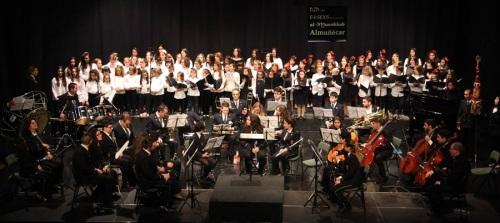 almunecar-acogio-un-bello-concierto-con-cuatro-coros-infantiles-y-la-banda-municipal-de-musica-de-alora-malaga_