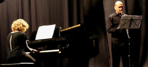 ana-galindo-y-carlos-gil-ofrecieron-un-bello-concierto-de-piano-y-clarinete