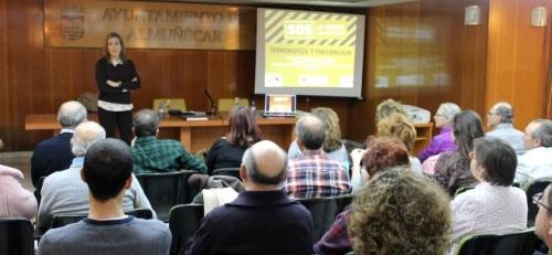 interesante-conferencia-de-mercedes-feriche-ugr-sobre-terremotos