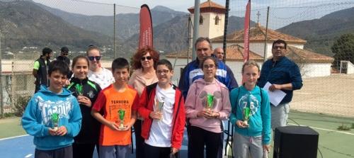 300 escolares de la Alpujarra y la costa participan en el programa de orientación en la naturaleza en Órgiva