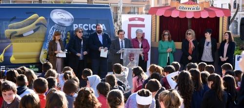 Diputación repartirá 70.000 latas de refresco por toda la provincia para concienciar sobre el reciclaje