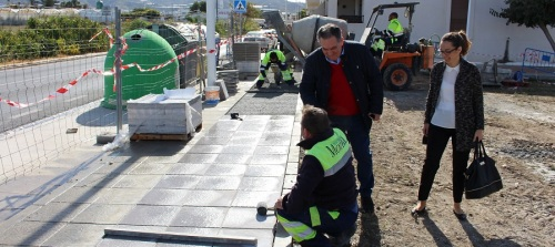 El Ayto. de Motril realiza obras de mejora en el solar de entrada a Puntalón y el acceso a Las Ventillas