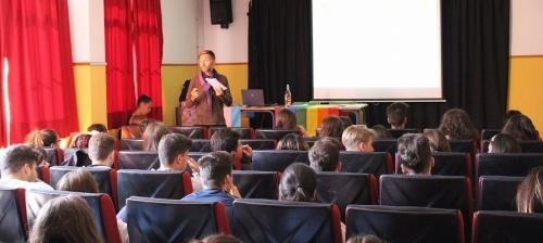 Estudiantes del IES Giner de los Ríos participan en dos talleres sobre Derechos Humanos y Diversidad Sexual