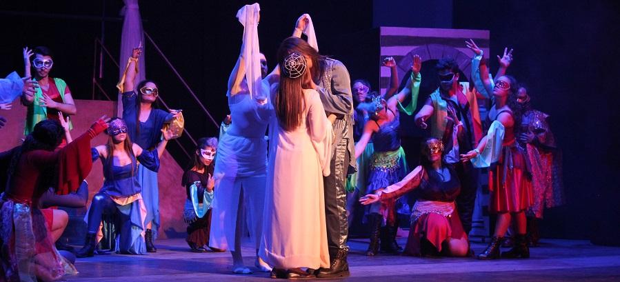Gran éxito del musical Romeo y Julieta en Motril