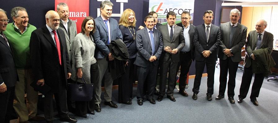 La línea entre Motril y Melilla recaba el apoyo del tejido económico, social y político de la provincia