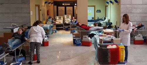 Salobreña se vuelca en la campaña de donación de sangre y la prueba para la donación de médula ósea