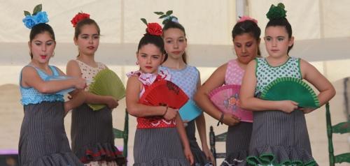 Actuación alumnas Escuela de Baile Irene Molina en carpa Plaza de España_