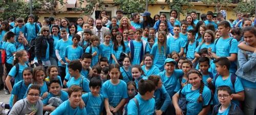 Alumnos y alumnas de Motril toman la calle para celebrar el Día del Libro