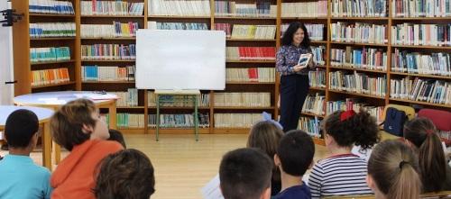 CEIP Cardenal Belluga_alumnos de Primaria participan de una actividad para el fomento de la lectura en inglés