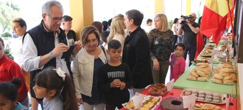 El Centro Educativo Ave María Esparraguera celebra su 'I Encuentro Intercultural Gastronómico'