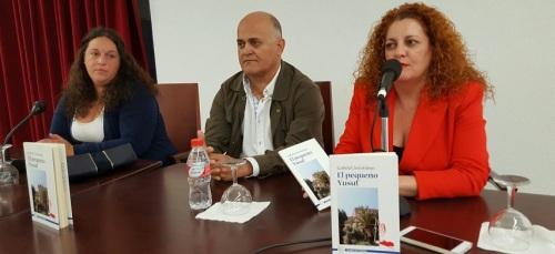 El concejal Gabriel Jerónimo presenta el cuento infantil 'El pequeño Yusuf'