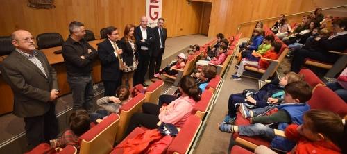 Escolares de Gualchos visitan la Diputación