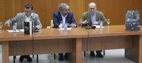 José L. López Recio presentó su novela 'Julia y los ordeñadores de hormigas'
