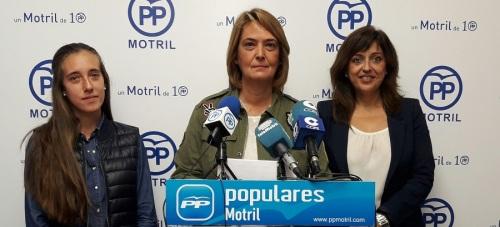PP_Susana Díaz vino, cual Cristóbal Colón, a descubrir la Costa