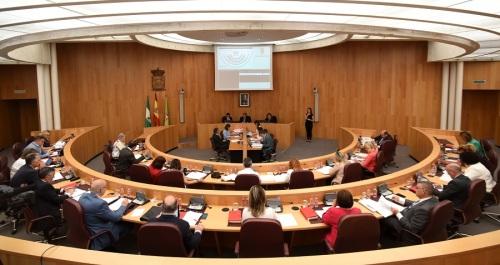 1,5 mill. para instalaciones deportivas de los municipios de la provincia y 2 mill. para caminos vecinales