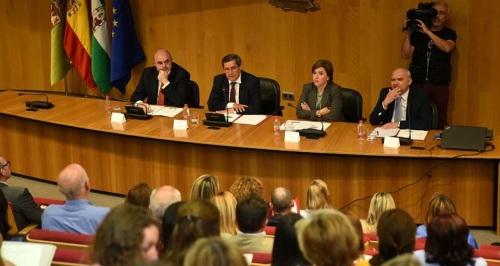 Diputación y Junta impulsan la implantación de la Ley de Transparencia en los municipios de la provincia