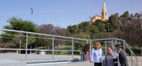 El Ayuntamiento renueva el escenario y la iluminación del entorno del escenario del Parque de los Pueblos de América