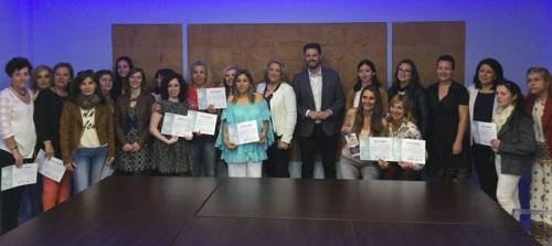 El delegado de Economía y Empleo de la Junta clausura el primer' Itinerario de Emprendimiento y Empleo con Mujeres'