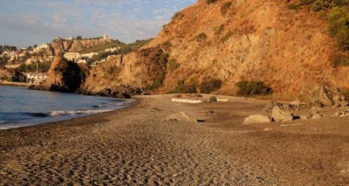 El PSOE solicita que se acondicione la Playa del Muerto como cualquier otra