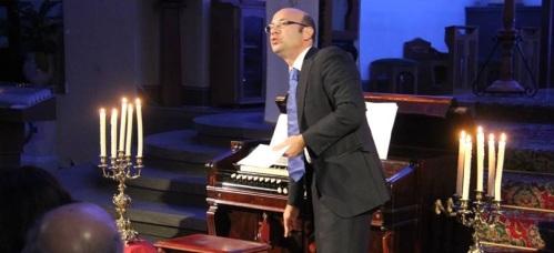 Jesús Sampedro estrenó en Almuñécar un extraordinario concierto de armonio