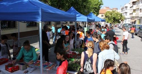 La plaza de San Agustín acoge la II Feria de Emprendimiento de los colegios Arco Iris, San Antonio, El Pilar y Luis Pastor