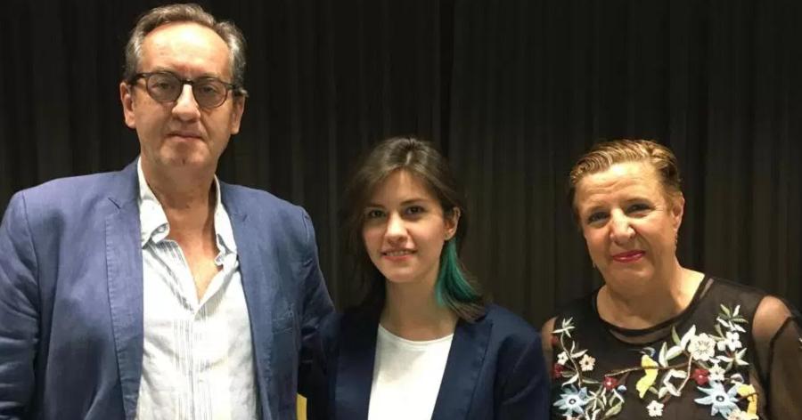 Mariel M. Damián recibe el III Premio Intl. de Poesía 'Ciudad de Almuñécar'