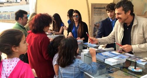 Miles de personas visitan la feria de turismo de Granada en Melilla