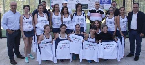 Nace Pádel Club La Herradura con casi una veintena de jugadoras