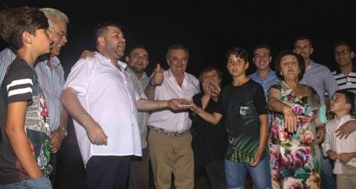 Puntalón comienza sus fiestas de San Isidro con el encendido del alumbrado