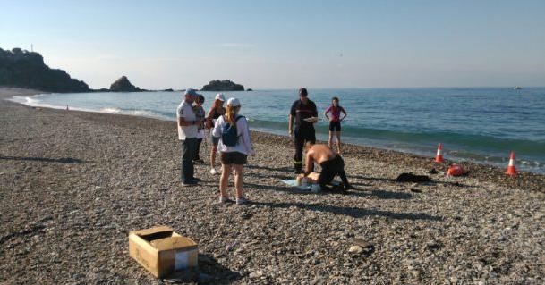 Un total de 44 personas optan a las 33 plazas de socorristas en las playas de Almuñécar Y La Herradura