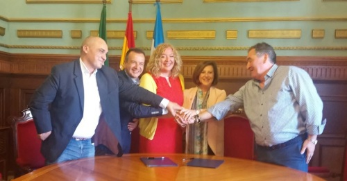Convenio en el marco del plan andaluz para mitigar los efectos de los recortes del Gobierno central en dependencia