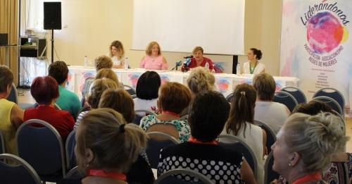 El congreso 'Liderándonos-participación, asociacionismo, y redes de mujeres_ reúne a más de 150 mujeres y hombres