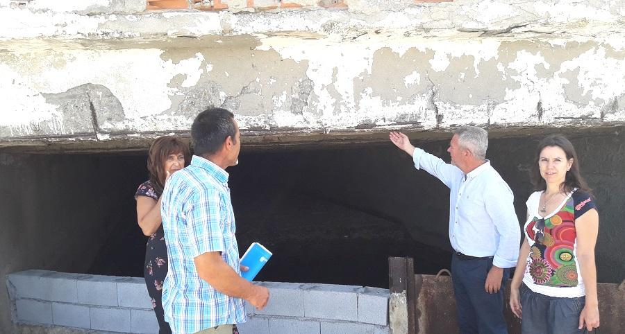 El PP reitera del peligro de derrumbe de la Rambla de Villanueva a su paso por Torrenueva