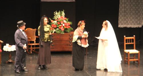 El Taller de Teatro de Almuñécar puso en escena con éxito 'La bella Dorotea'