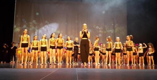 La Escuela de Baile Solange Janssens celebró con éxito su gala fin de curso