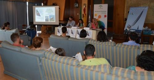 La Junta reúne a empresas de la Costa Tropical para diseñar una estrategia común que atraiga turistas todo el año