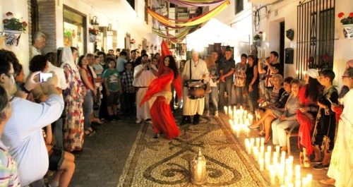Mercadillo Cervantino en el II Festival Luz de Luna de La Herradura
