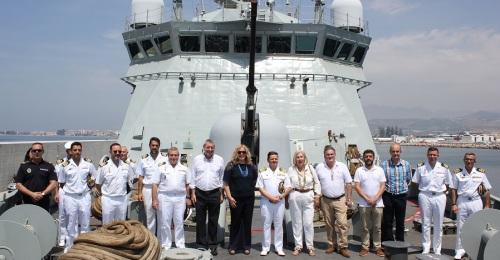 Motril recibe a una flota de la Armada compuesta por siete buques, entre ellos la Fragata Numancia