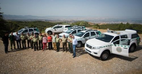 La Junta refuerza las labores de vigilancia del medio natural con nuevos vehículos para los agentes forestales