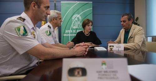 La Policía Autonómica en Granada incorpora nuevos lectores de microchip para la identificación animal
