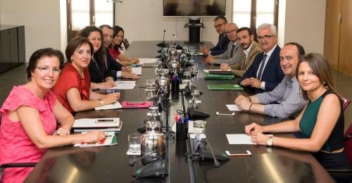 Los delegados del Gobierno conocen las nuevas políticas de recuperación de la Junta en el ecuador de la legislatura