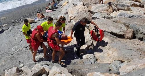 Simulacro de rescate de un pescador junto al espigón de Fuentepiedra