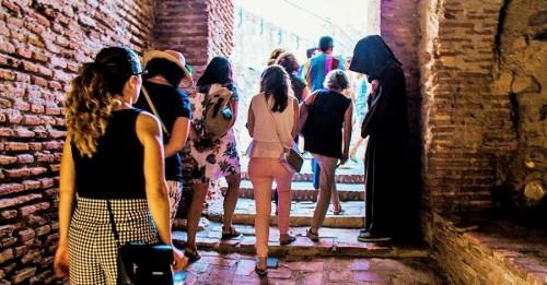 Las rutas turísticas nocturnas de Salobreña y Motril ponen fin, esta semana, a la temporada estival (2)