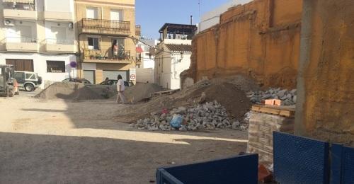 Los vecinos se quejan de un vertedero en la calle Real de La Herradura_