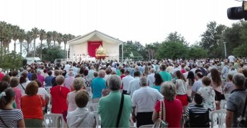 Más de 1200 motrileños arropan a la Virgen de la Cabeza en su tradicional Ofrenda Floral y de Alimentos