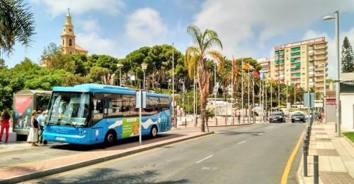 Parada de autobuses al lado de la Oficina de Turismo (2)