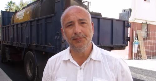 Sergio García Alabarce, pte. de la Mancomunidad, en su visita al bº de La Paloma (Almuñécar)
