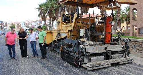Avanzan a buen ritmo las obras de asfaltado de la Ronda de Poniente