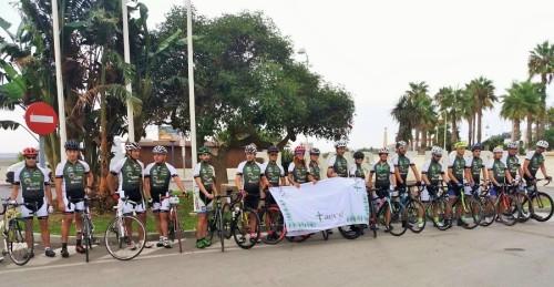 Ciclistas participantes en el reto CeroTrsmiles parten desde Motril hacia el Veleta (2)